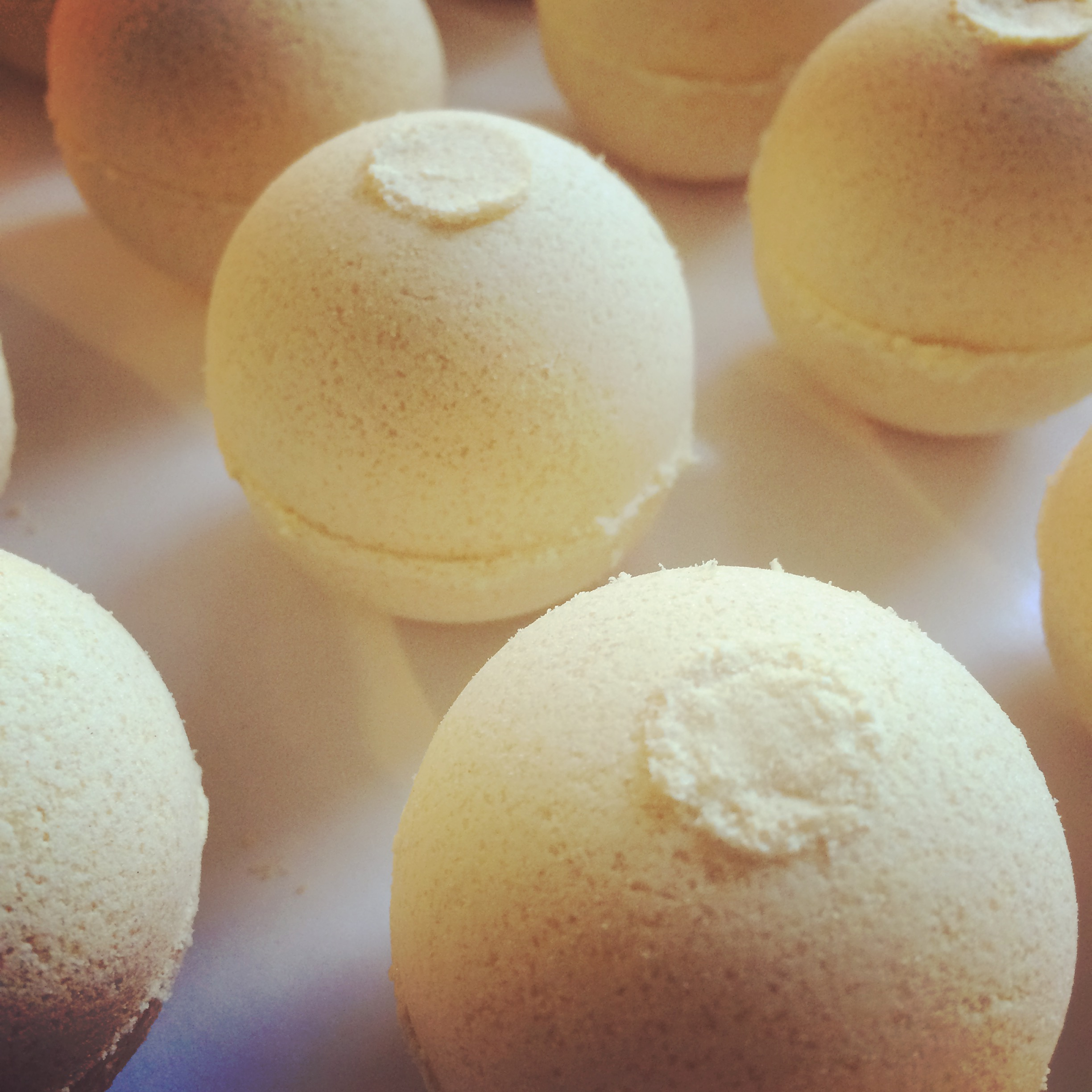 bath bomb with goat milk in lemongrass scent